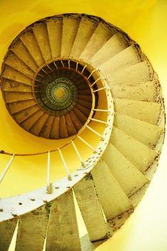 Escalier jaune