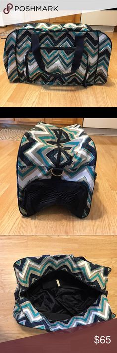 """Thirty-One All Packed Duffle Bag NWT! All Packed Duffle   Zipper closure, exterior zipper pocket and zippered compartments for shoes, 2 interior mesh pockets    11""""H, 22""""L, 12""""D    Pattern:  Dotty Chevron Thirty-One Bags Travel Bags"""