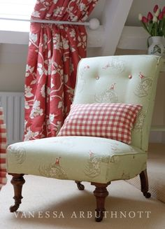 helen izzard designs : interior design services offered.....  I LOVE the chair!