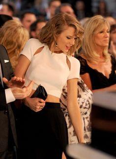 Taylor dancing