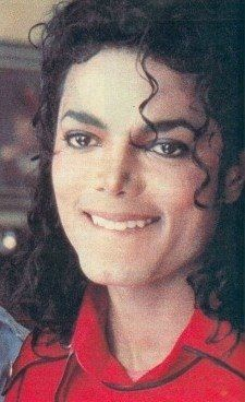 I know he passed away but I feel like I expect him to come back like he really is here..I love you so much Michael jackson I'm not a fan but I'm a MOONWALKER!