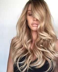 Long Hair Women's Styles : long blonde hair… Trendy Long Hair Women's Styles lange blonde Haare – This. Golden Blonde Hair, Honey Blonde Hair, Honey Colored Hair, Blonde Balayage Honey, Blonde Wig, Ombre Hair, Balayage Hair, Balayage Highlights, Cabelo Inspo