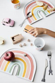 Tallerken med motiv - Naturhvit/Regnbue - Home All Porcelain Mugs, Ceramic Clay, Ceramic Painting, Ceramic Plates, Ceramic Pottery, Diy Clay, Clay Crafts, Cute Clay, Clay Projects