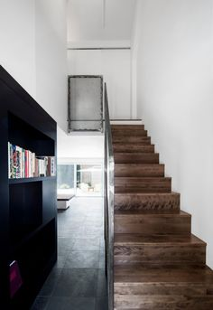 125-Year-Old Duplex With Modern Interiors - DigsDigs