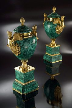 Amour Vase In Malachite With 24 K gilded bronze by Baldi
