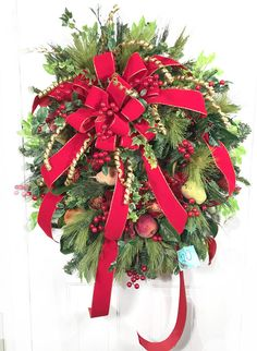 Winter Wreaths for Front Door, Country Christmas Wreaths, Holiday Wreaths for Front Door, Snowman Hat Wreath, Large Christmas Wreath Outdoor This traditional extra large red and green wreath is full and beautiful! The wired #40 red velvet wired bow is gorgeous! There are MANY yards of
