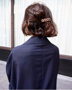 10 Affordable Ways to Wear Gucci This Summer Gucci, Hair Barrettes, Hair Clips, Fashion Words, Vintage Hair Accessories, Fashion Beauty, Fashion Tips, Fashion Hacks, High Fashion