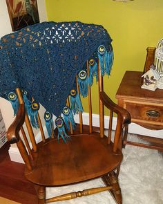 Crochet Gorgeous Peacock Feathers To Make Stunning Blanket Peacock Crochet, Crochet Feather, Feather Design, Peacock Feathers, Newborn Photos, Rocking Chair, Vibrant Colors, Blanket, Knitting