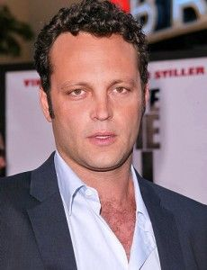 Vince Vaughn Hairstyle, Makeup, Suits, Shoes and Perfume.