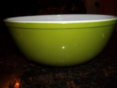 Green, Verde, Pyrex#404 Large  Nesting  Mixing Bowl 4 Quart by PyrexKitchen on Etsy