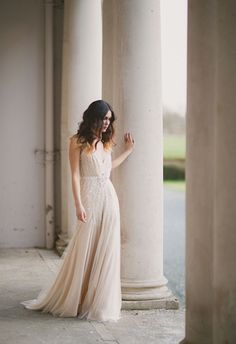 Gorgeous Jenny Packham gown | Paula O'Hara and Pearl