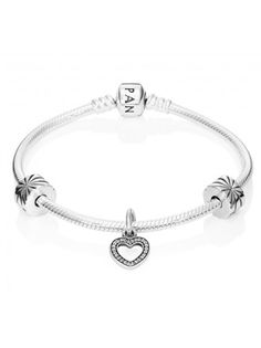 Pandora PANDORA Sparkling Heart Complete Bracelet