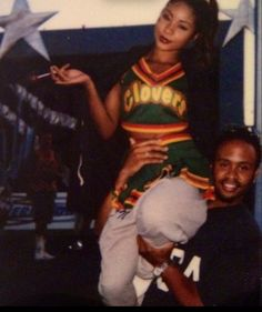 Natina Reed of Blaque Vintage Black Glamour, Look Vintage, Black Girl Aesthetic, 90s Aesthetic, 2000s Fashion, Hip Hop Fashion, Family Photo Outfits, Family Photos, Naomi Campbell