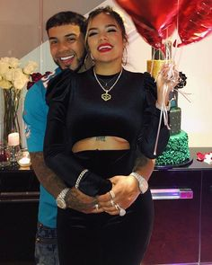 Buena frentón👌😂👏 Latin Artists, Photography Poses For Men, Trap Music, Baby Daddy, Cristiano Ronaldo, Couple Goals, Relationship Goals, Celebs, Singer