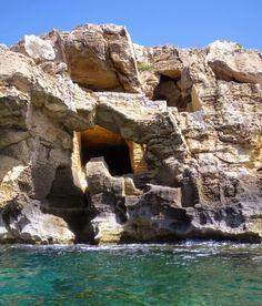 Le #cave di #tufo del #bue #marino a #Favignana