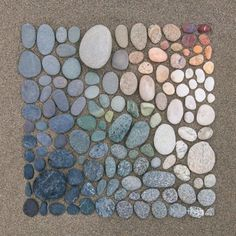 """coolthingoftheday: """"Artist and photographer Emily Blincoe creates meticulously arranged collections of objects for her work. People With Ocd, Recycled Toys, Rube Goldberg Machine, Eileen Gray, Collections Of Objects, Colossal Art, Beach Rocks, Everyday Objects, Land Art"""