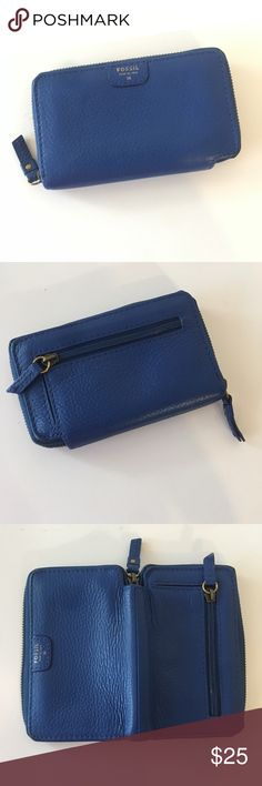 2be7f898145d8 Fossil Wallet Blue Fossil wallet features zipper closure. Outside zipper  coin slot. Inside features