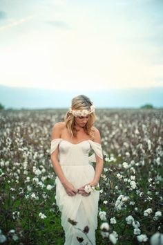 Obsessed with floral crowns and cotton fields at the moment.