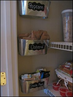 Love this idea for holding packets in the pantry