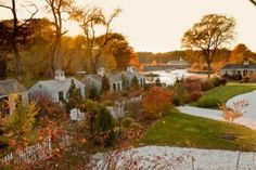 Cottages in Maine, in the Fall.  Yes please.  LOVE Cabbot Cove