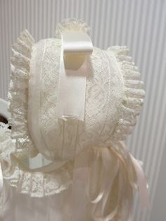 TOPOS Y RAYAS: BEBES LENCEROS Kids Boys, Baby Kids, Baby Baptism, Baby Bonnets, Linens And Lace, Christening Gowns, Heirloom Sewing, Stylish Outfits, Boy Or Girl