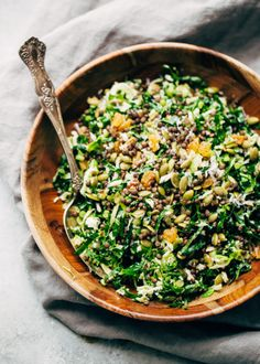 The perfect Autumn salad! This lentil Kale Salad with Parmesan has tons of al-dente cooked lentils, Tuscan kale, plump golden raisins, pepitas, and it's drizzled with a simple red wine vinaigrette. Perfect as a main course or a side salad! Lentil Salad, Chickpea Salad, Kale Salad, Best Lentil Recipes, Vegetarian Recipes, Healthy Recipes, Healthy Food, Fall Recipes, Healthy Eating