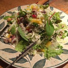 こちらはレンズ豆のサラダ?を頂きました。 #vegan #vegetarian #vegansofjapan #osaka #ヴィーガン #ベジタリアン #ビーガン #動物性不使用 #菜食 #完全菜食 #素食 #大阪 #忘年会 (Vegetarian Cafe Green Earth)
