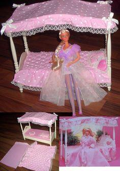vintage barbie furniture & SUPERSTAR 1982 Barbie Dream Bed furniture vintag& vintage barbie furniture & SUPERSTAR 1982 Barbie Dream Bed furniture vintage , vendido en & The post vintage barbie furniture Barbie Vintage, 1980s Barbie, Vintage Dolls, Barbie Barbie, Barbie Clothes, Barbie Furniture, Vintage Furniture, Bed Furniture, Garden Furniture