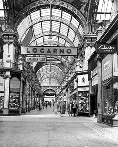 Locarno in County Arcard Old Pictures, Old Photos, Social Photography, Vintage Photography, Leeds England, Leeds City, West Yorkshire, Mecca, Portsmouth