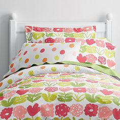 Playful sheets & bedding set for girls brings spontaneous color to the bed. Hued in shades of coral, pink, orange and green.