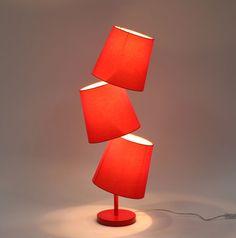 Lampe à poser design rouge BAYA - Zoom