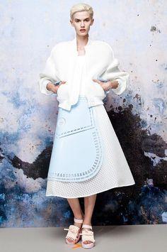 Xiao Li: Скульптурная одежда из трикотажа   и силикона. Изображение № 4.