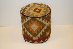 Ottoman Kelim Hocker aus 100% Hochlandwolle  von Nomad-Living.com auf DaWanda.com