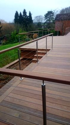 25 DIY Deck Railing Concepts & Styles That Make Sure to Inspire You - Tanzania Home Ideas Wood Deck Railing, Deck Railing Design, Balcony Railing, Deck Design, Cable Railing, Patio Balustrade Ideas, Horizontal Deck Railing, Outdoor Railings, Wire Balustrade