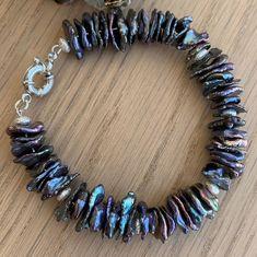 Angelika Kozoriz (@angelica_treasures) • Фото и видео в Instagram Handmade Pearl Jewelry, Natural Stones, Jewelry Making, Charmed, Pearls, Bracelets, Silver, Gold, Fashion