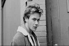 River Phenix. He would have been a great shark today, sadly is dies way to young. May he rest in peace. I remember him for Stand by me and My own private Idaho.