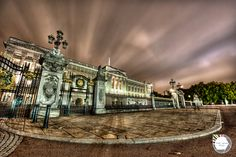 Ohrikee, the Chief Overseer's Palace, on Broadway is based on such wonders as Buckingham Palace, London. There is a definite colonial feeling to the city of Wánměi.