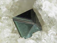 Hercynite / Mineral Friends <3