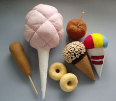 This listing is for the full scale paper pattern and easy to follow detailed step-by-step photo instructions for making your own Felt County Fair Set including:  - Candy Floss - Corn Dog - Snow Cone - Caramel Apple - Mini Doughnuts - Chocolate Coated Ice Cream  All items are hand sewn an...