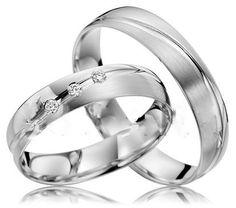 Nově nabízím výrobu snubních prstenů ... styl a vzor rytiny po obvodu libovolný /dle přání zákazníka/ ... rytina dovnitř prstenů zdarma /jméno-datum/ ... materiál - bílé a žluté zlato, popřípadě stříbro ... s kameny i bez /zirkony či diamanty/ ... povrch lesklý, matovaný, nebo kombinovaný ... zakázky do dvou měsíců ... například takovýto pár prstenů z bílého zlata /foto ilustrativní/ o velikostech 54 a 60 se zirkony /šířka obroučky 4,5 mm, síla 1,5/ za 15 000,- ... s diamanty cca 18 000…