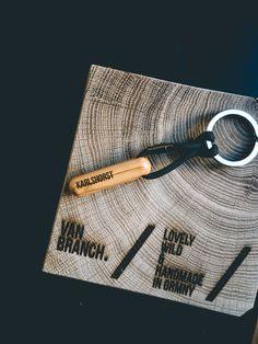 van branch Anker Schl/üsselanh/änger aus Holz mit individueller Gravur
