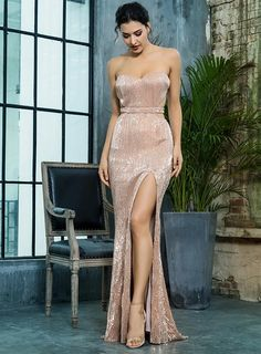 Inspires in beautifulness long formal dresses or colorized short cocktail party dresses from our collection of featured wedding guest dresses, semi-formal dresses, charmed evening gowns for military balls, as well as short casual dresses. #prom #promdresses #dresses #dress #elegantdresses Semi Formal Dresses, Elegant Dresses, Pretty Dresses, Strapless Dress Formal, Casual Dresses, Fashion Dresses, Long Sequin Dress, Bridesmaid Dresses, Prom Dresses