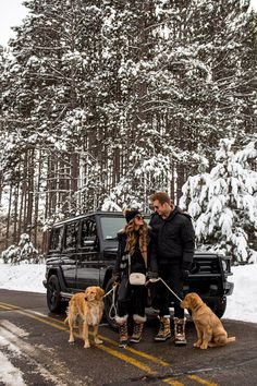 Our Winter Adventure - Mia Mia Mine - greta Winter Cabin, Winter Love, Cute Family, Beautiful Family, Family Goals, Botas Sorel, Cute Couple Outfits, Snow Pictures, Photography Pics