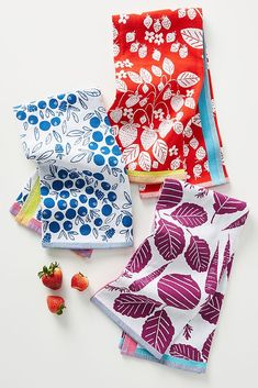 Fruit Dish Towels, Set of 3 by Anthropologie in Assorted, Kitchen Woven from cotton jacquard, these dish towels bring endless charm with their veggie and fruit motifs. Kitchen Linens, Kitchen Dishes, Kitchen Towels, Kitchen Decor, Purl Bee, Unique Housewarming Gifts, Unique Gifts, Dish Towels, Tea Towels