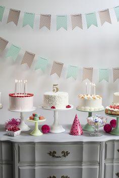 Pretty cake display