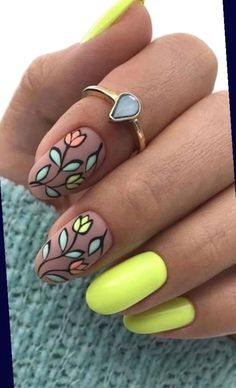 Gold Acrylic Nails, Simple Acrylic Nails, Rose Gold Nails, Gradient Nails, Yellow Nails, Simple Nails, Holographic Nails, Stiletto Nails, Coffin Nails