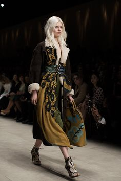 I'm in LOVE with the Burberry Fall/Winter 2014 collection! I want to be a Bloomsbury Girl! photo - The Sartorialist
