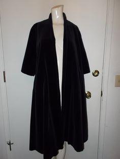 VINTAGE LADIES BLACK VELVET SWING OPERA COAT~ L@@K-INCREDIBLE STYLE~ 100% wool   eBay