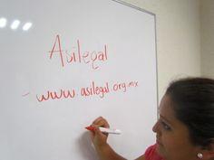 Daffne Ortega, del área de Educación y Enlace de ASILEGAL.