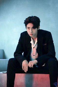 Pin by muti ? on Korean Male Idols in 2020 Lee Jin, Eric Nam, Boy Idols, Kim Tae Yeon, Korean Bands, Golden Child, Kpop Boy, Ulzzang Girl, Handsome Boys